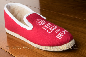 Charentaises Charentaises Keep Calm and Relax rouge semelle feutre N° 530 à partir de 45.90 €
